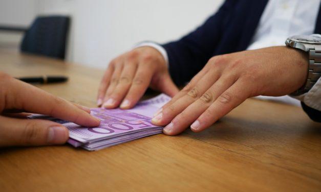 Perte d'emploi : optez pour le rachat de crédit pour rééquilibrer votre budget